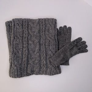 New York & Company Gray Scarf and Glove Set